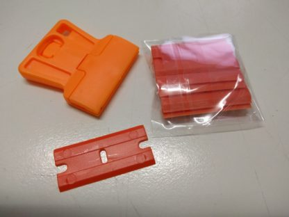 Plastic scraper with disposable plastic razor